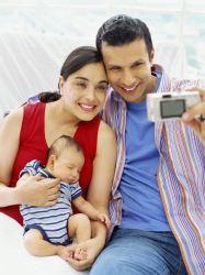 Padres con bebé nuevo